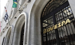 INVESTIMENTOS O Mercado na 6ª feira Bolsa cai 1,30% a 84.334 pts Dólar sobe a R$3,4227