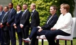 MERKEL recebe sentada a Primeira-Ministra da Dinamarca