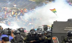BOLIVIA - Já são 8 mortos e 100 feridos pelas forças de segurança