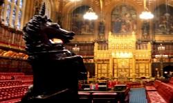 BREXIT Após aprovado pela Câmara dos Comuns, projeto segue à Câmara dos Lordes