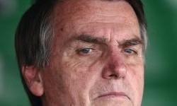 BOLSONARO cético com Reforma Tributária e pela tangente sobre brasileiros deportados.