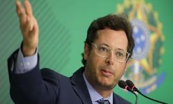 BOLSONARO não irá demitir chefe da SECOM. PF investiga peculato e corrupção passiva