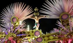 CARNAVAL RIO2020  MANGUEIRA critica Fundamentalismo Bolsonarista