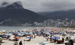 COVID-19 & RIO - Defesa Civil pede que banhistas deixem as praias