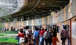 BRASIL Plano do governo prevê fechamento de escolas em abril