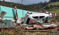 TEMPESTADE em SC afeta 26 cidades e deixa 830 desabrigados