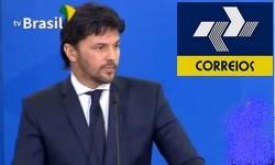 CORREIOS Fábio Faria entrega projeto de desestatização a Bolsonaro