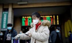 CHINA enfrenta surto de covid-19 com apenas 100 novos casos diários no País