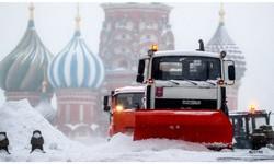 MOSCOU tem a Pior Nevasca, desde 1973. A cidade coberta de montes gigantescos de neve