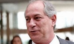 CIRO GOMES pede Impeachment do Inominável