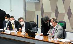 CPI DA PANDEMIA - Dono da Precisa nega-se a responder a perguntas